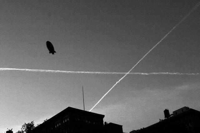 >> Bye! Bye! Blue Sky – documentário sobre rastros químicos