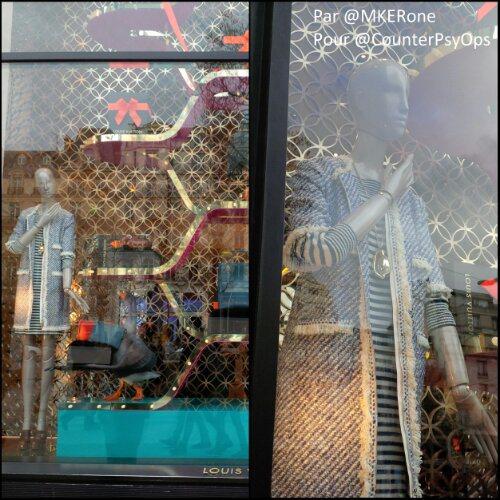 >> Singelas Profana-ações 104: e a Quenelle, (oh mon Dieu) acaba na vitrine parisiense da Louis Vuitton