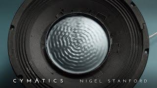 >> Cinco minutos para um pouco de Cimática – visualizando o som… CYMATICS: Science Vs. Music, por Nigel Stanford