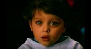"iMundo 26 –""Evidence"",de Godfrey Reggio–Infância zombificada, embestalhada e abusada pelo SIXSIXSIX TEMA"
